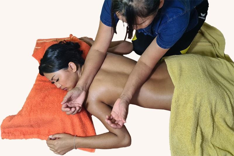 Saegdee-Traditionelle-Thai-Massage.jpg